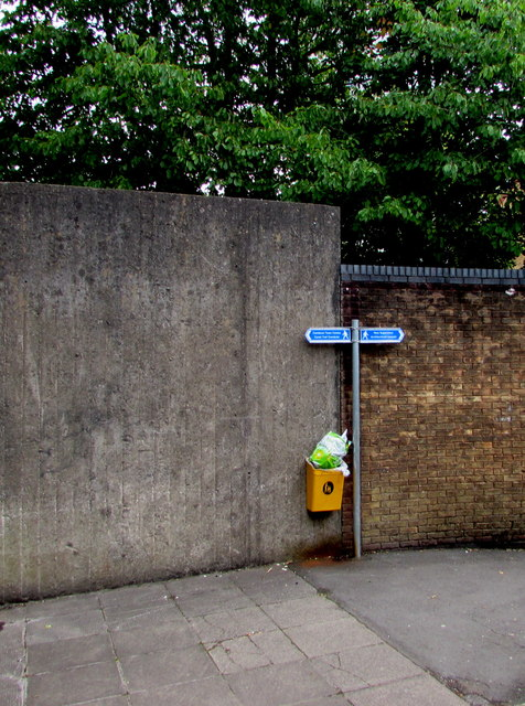 Path signpost, Southville, Cwmbran