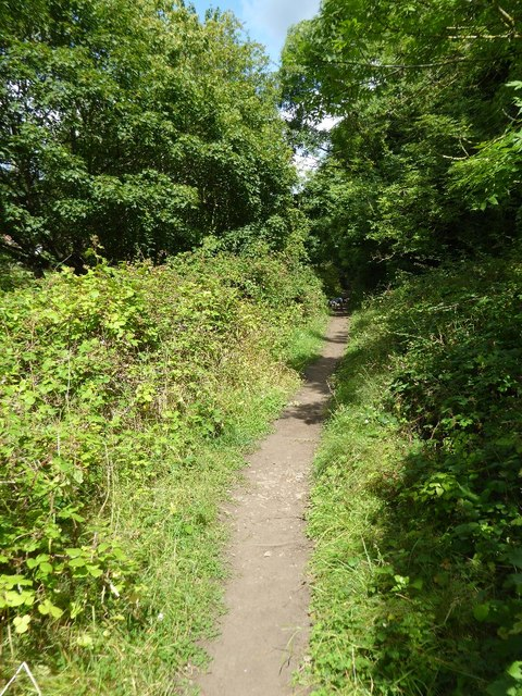 Footpath and former railway trackbed
