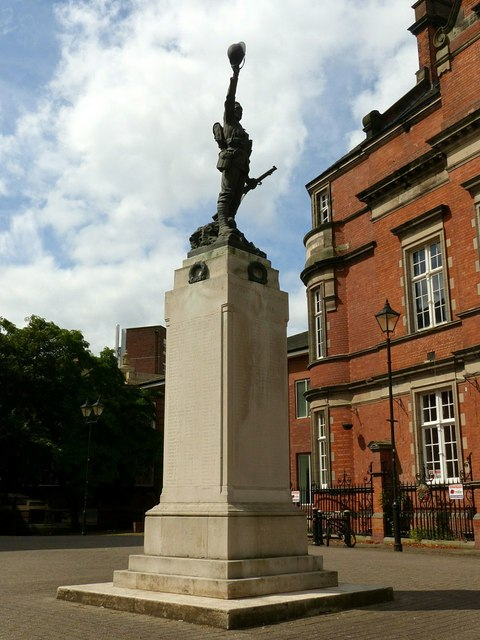 Stafford Borough War Memorial, Victoria Square