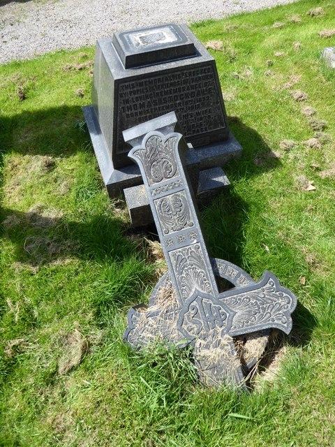St Wilfrid, Halton: churchyard (1)