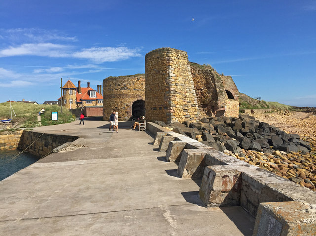 Lime kilns at Beadnell Harbour