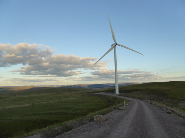 New wind turbine on Strawberry Hill