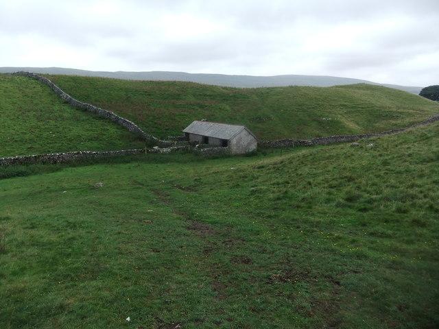 Field barn by the Pennine Way