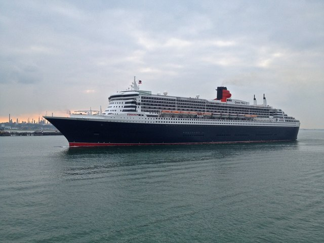 RMS Queen Mary 2, Southampton Water