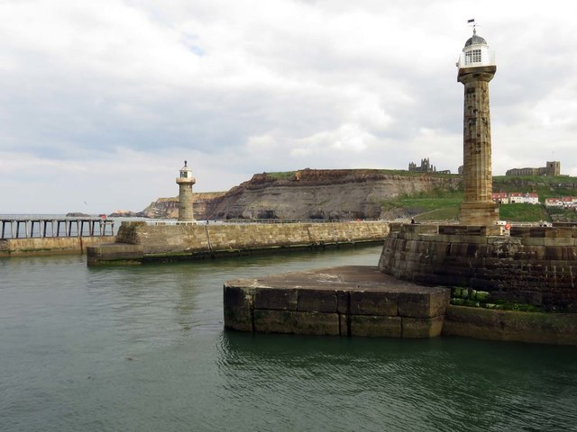 Lighthouses on the piers in Whitby