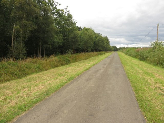 Lane leading to Nunriding Hall