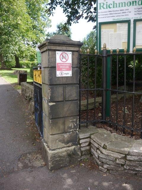 Cut Mark: Gainsborough, Richmond Park