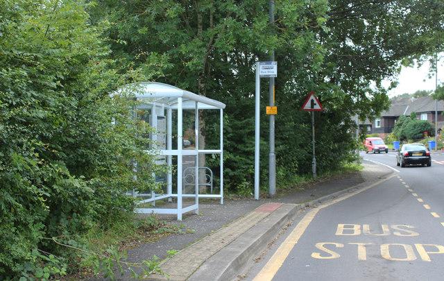 Bus Stop & Shelter, Minishant