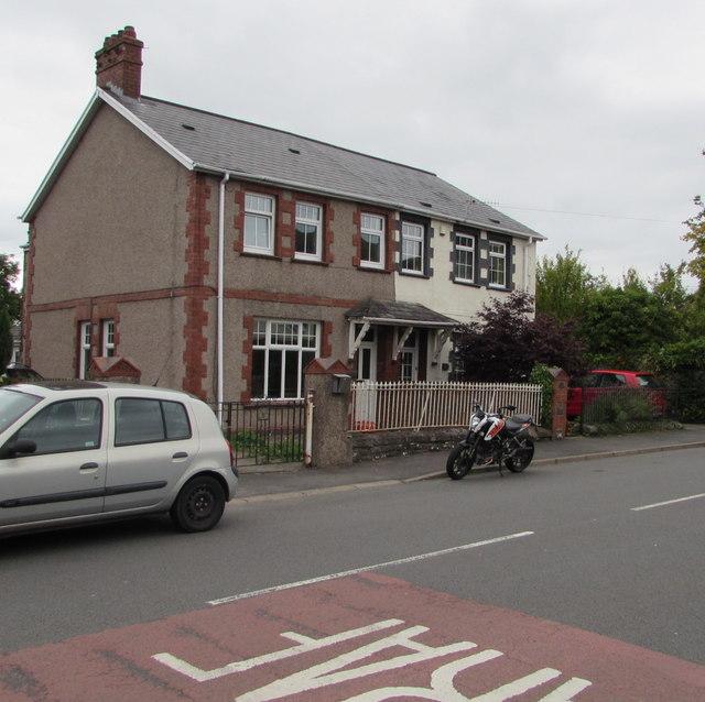 Crickhowell Road semis, Gilwern