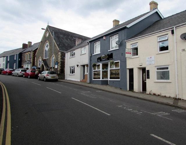 Up Main Road, Gilwern