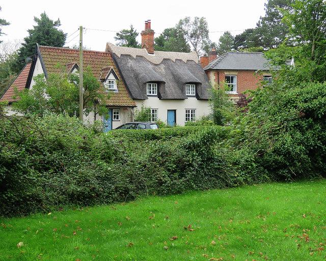 Cheveley: houses on Church Terrace