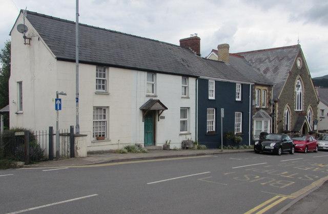 Main Road houses, Gilwern
