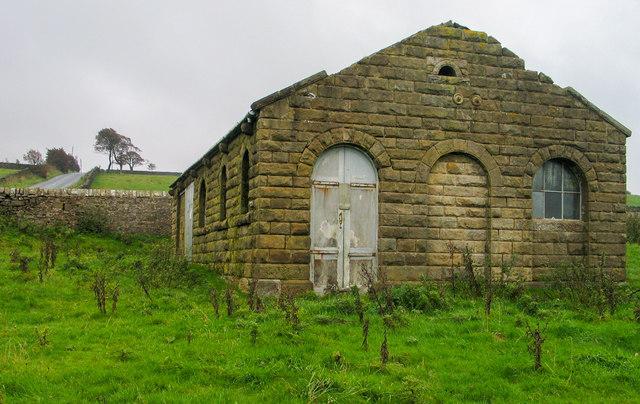 Semi-derelict building at Quernmore Brow