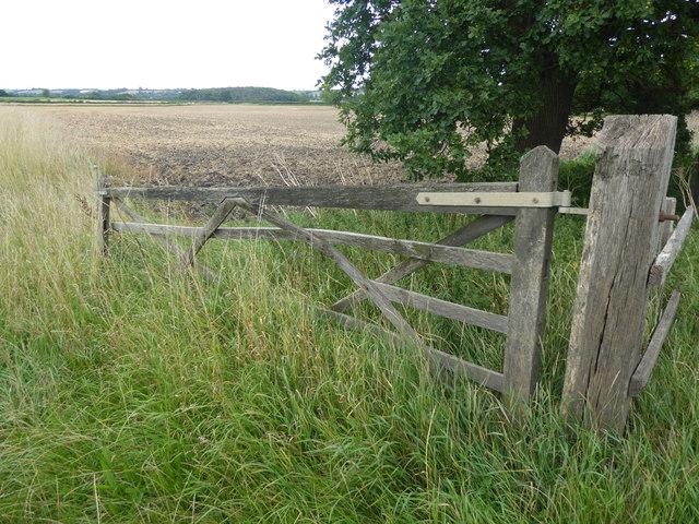 An old gate near Blackmoor Bridge