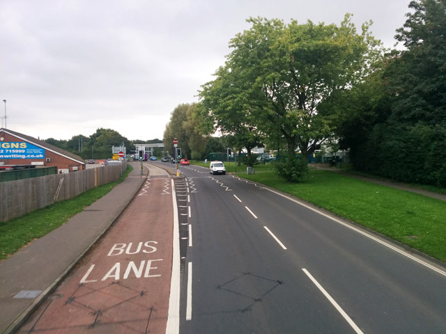 Bus lanes, Haslett Avenue East, Crawley