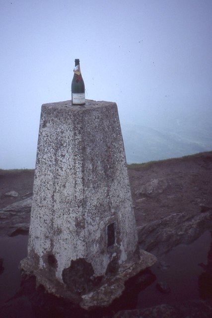 Ben Lomond trig pillar