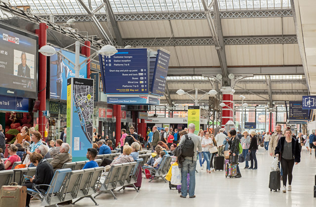 Liverpool Lime Street Station - August 2017 (7)