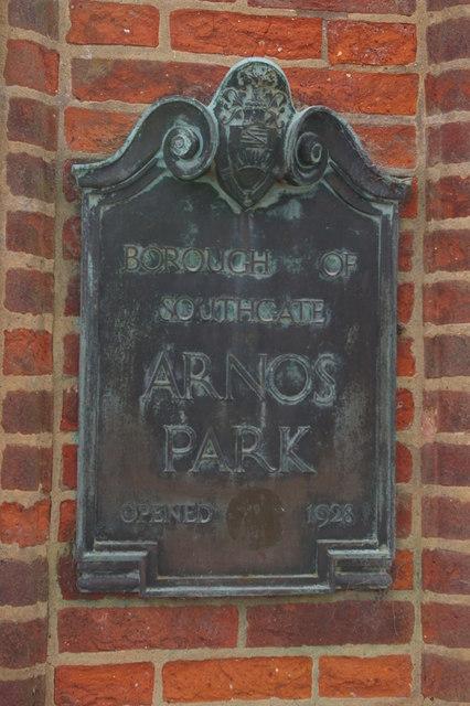 Sign at entrance to Arnos Park