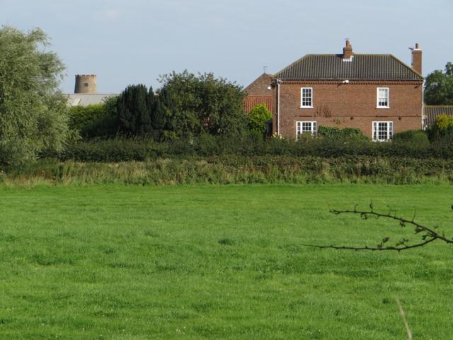 North of Back Lane, Garton