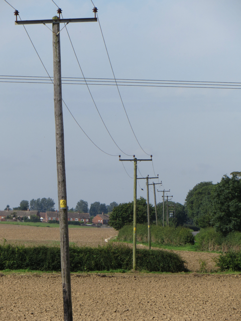 Power lines near Humbleton