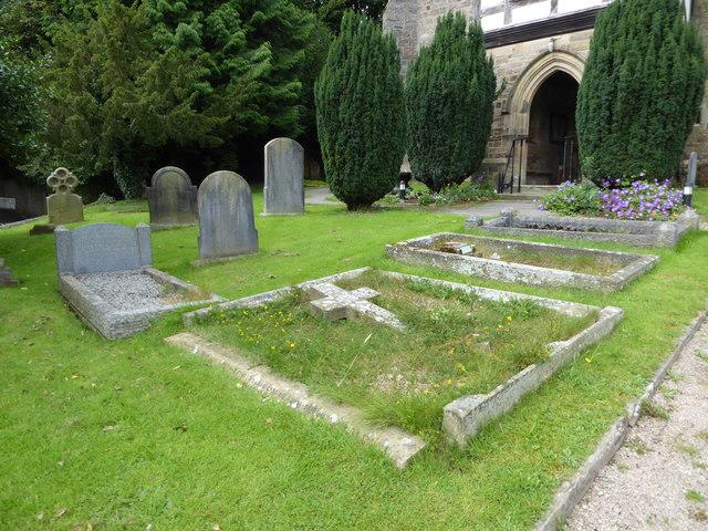 St Wilfrid, Halton: churchyard (4)