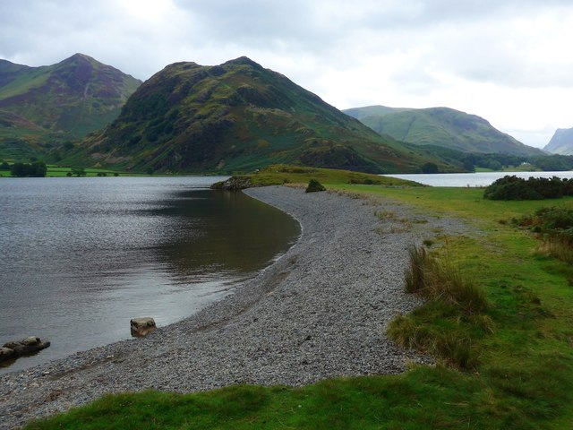 Low Ling Crag juts out into Crummock Water