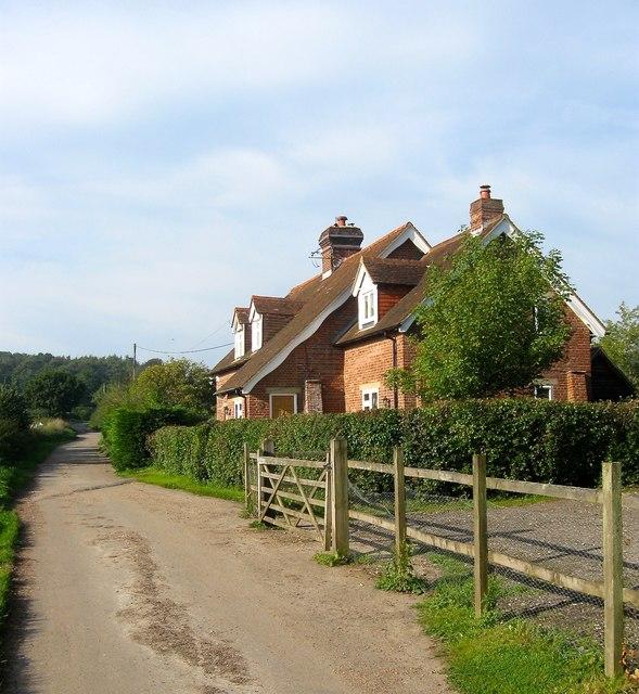 Swillage Cottages, Swillage Lane