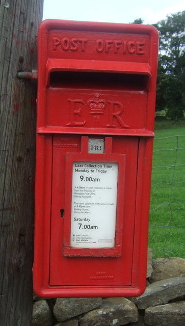 Close up, Elizabeth II postbox on the A689, Westgate