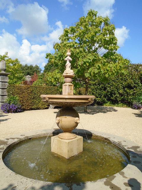 Water Feature - Earls Garden