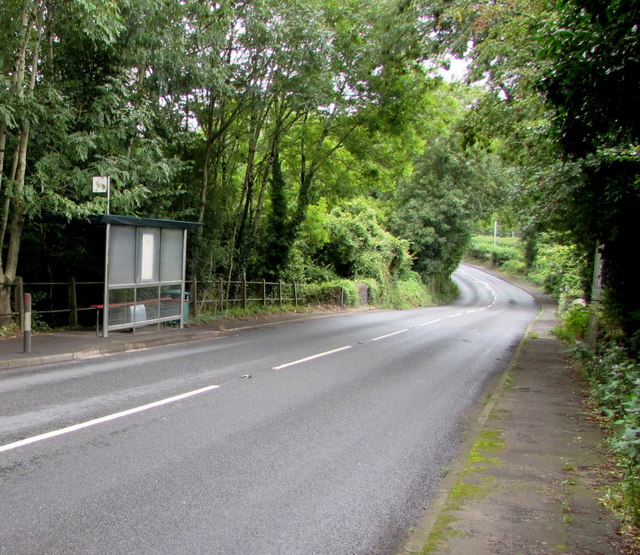 A4119 bus stop and shelter east of Groesfaen