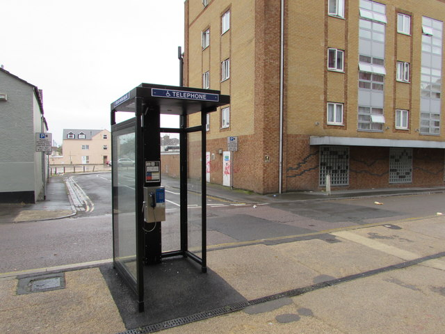 Wellington Street doorless phonebox, Swindon