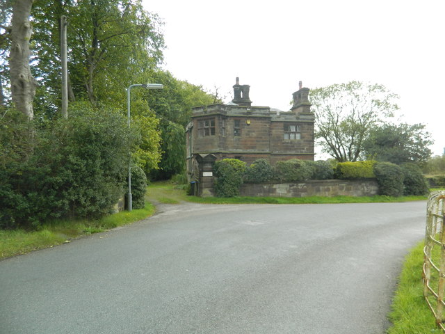 Dwelling (former lodge?), School Lane, Caverswall