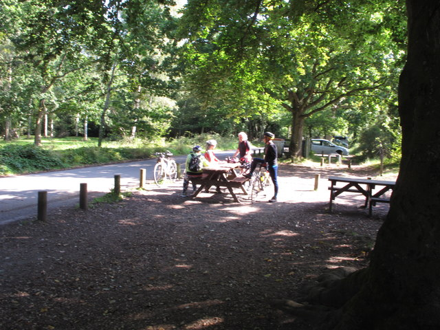 Cyclists at Burnham Beeches cafe