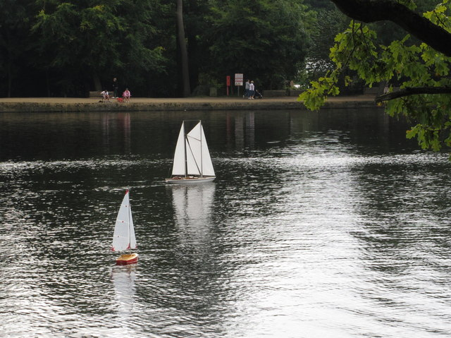Black Park Model Boat regatta - yachts