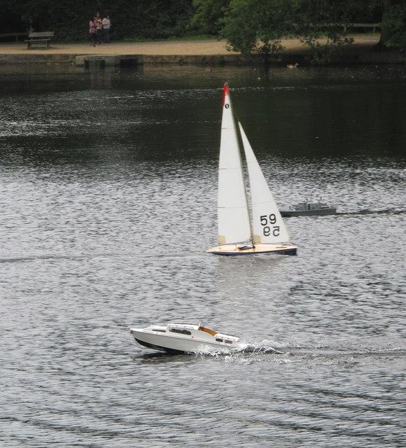 Black Park Model Boat regatta - yacht and powerboat