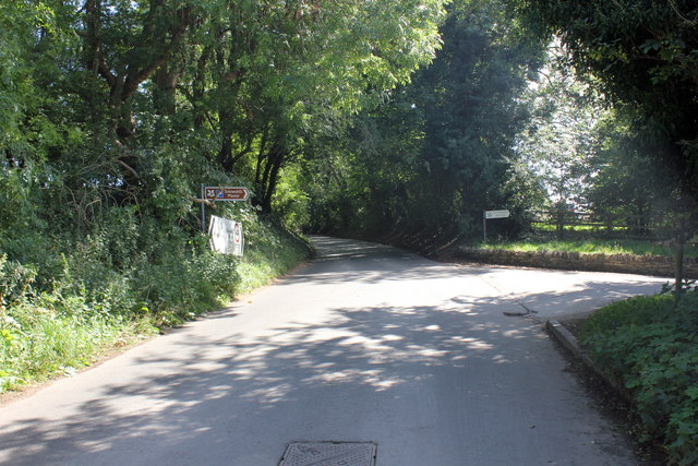 Snowshill Road at the entrance to Snowshill Manor