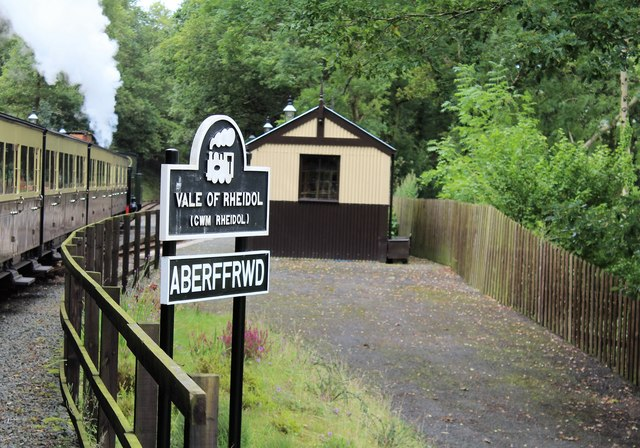 Approaching Aberffrwd station