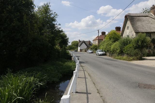 Road through Cuxham
