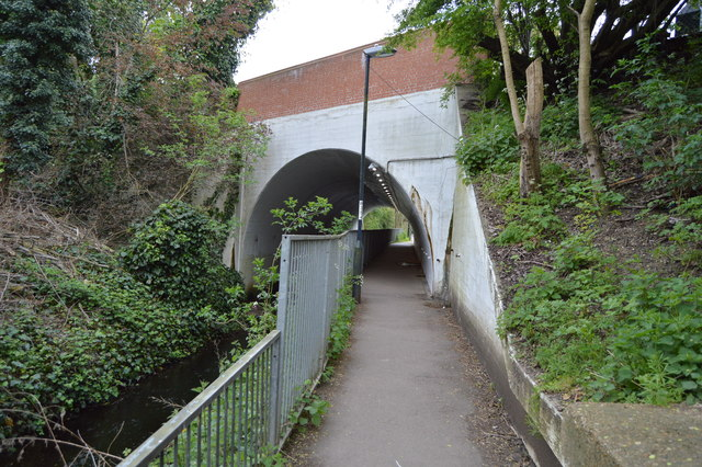 North Circular Bridge over Mutton Brook and Capital Ring