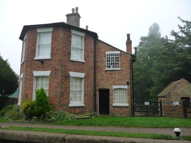 A boater's view of the Stop House, Braunston