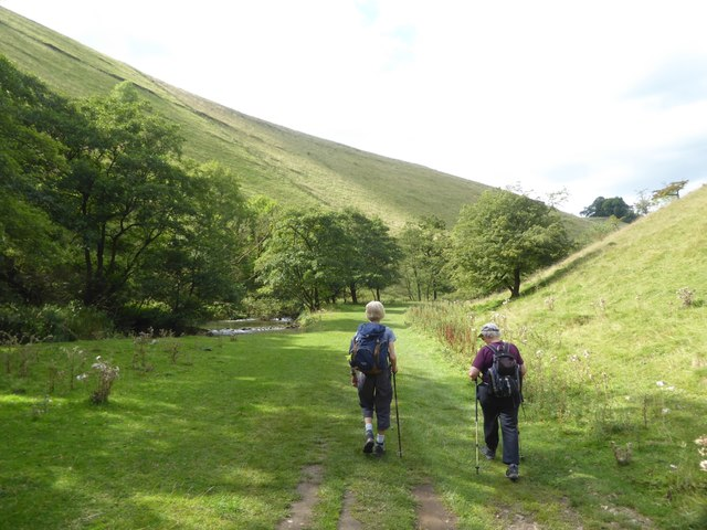 Walking in the Dove valley, Wolfscote Dale