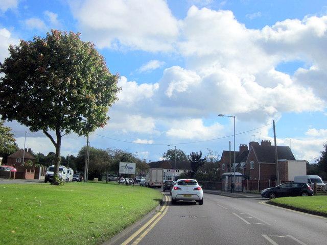 B4154 Beacon Road Approaching A4041 Queslett Road Island