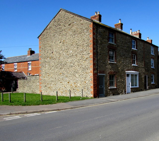 Three-storey houses on the west side of South Street, Bridport