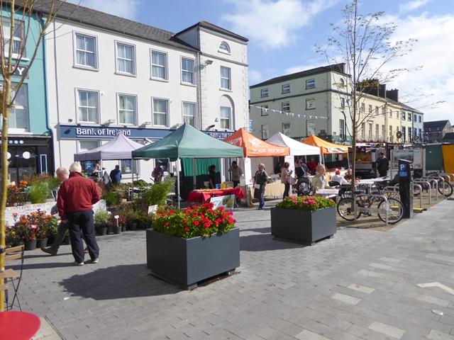 Farmer's Market, Grattan Square