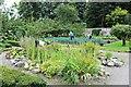 SN4860 : Volunteer gardeners at work by Richard Hoare