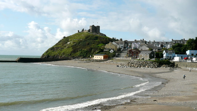 Criccieth Castle and beach