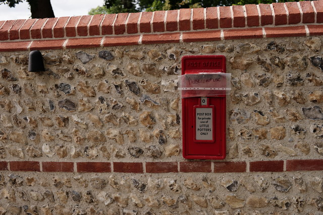 Postbox at Buxted