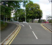 ST3091 : Mandatory left turn ahead, Mount Pleasant, Malpas, Newport by Jaggery