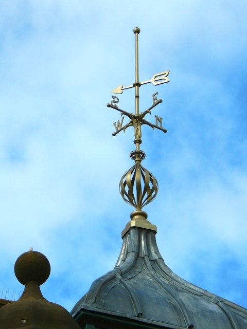 Dumbarton Municipal Buildings: weather vane