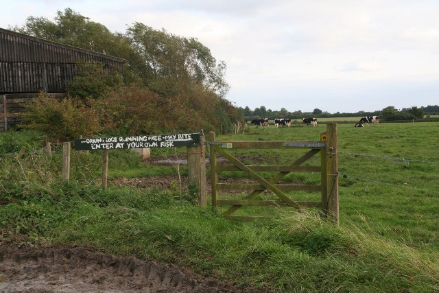 Welcoming sign on the Viking Way across Horsington Holmes